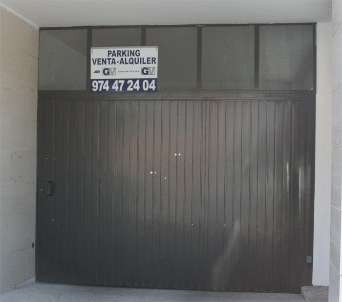 Puertas batientes de hierro - Puertas para garajes ...