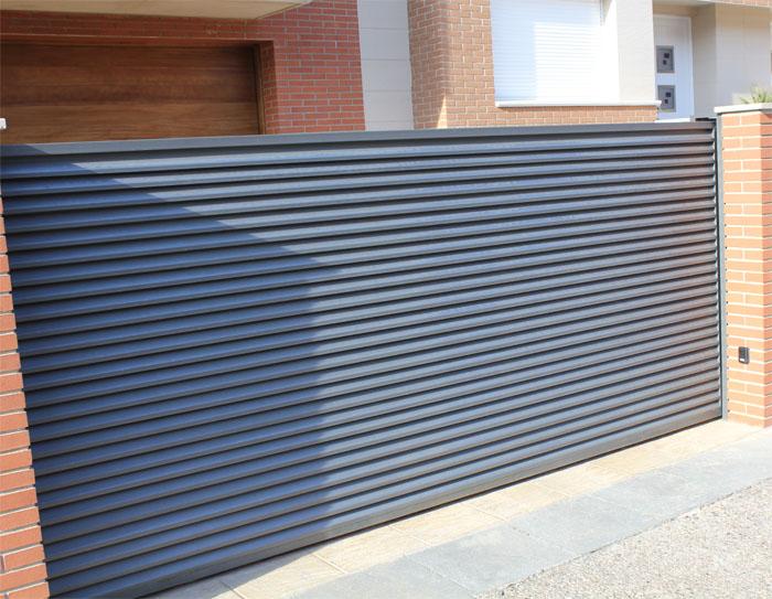 Puertas correderas de hierro for Puertas correderas hierro exterior
