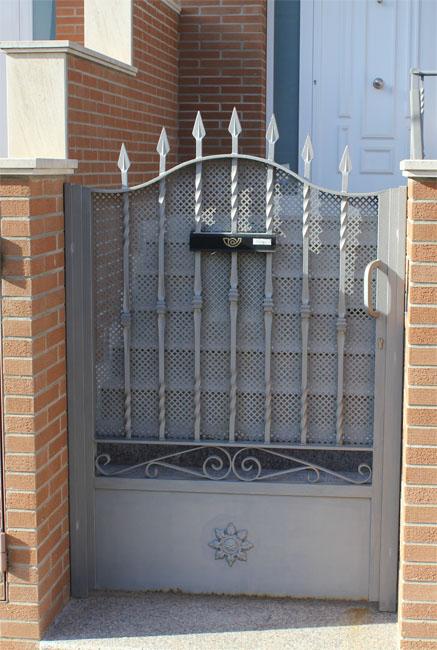 Puertas de hierro exterior trendy exterior de hierro - Puertas exterior hierro ...